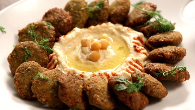 Makanan Populer Ramadan Falafel via youtube