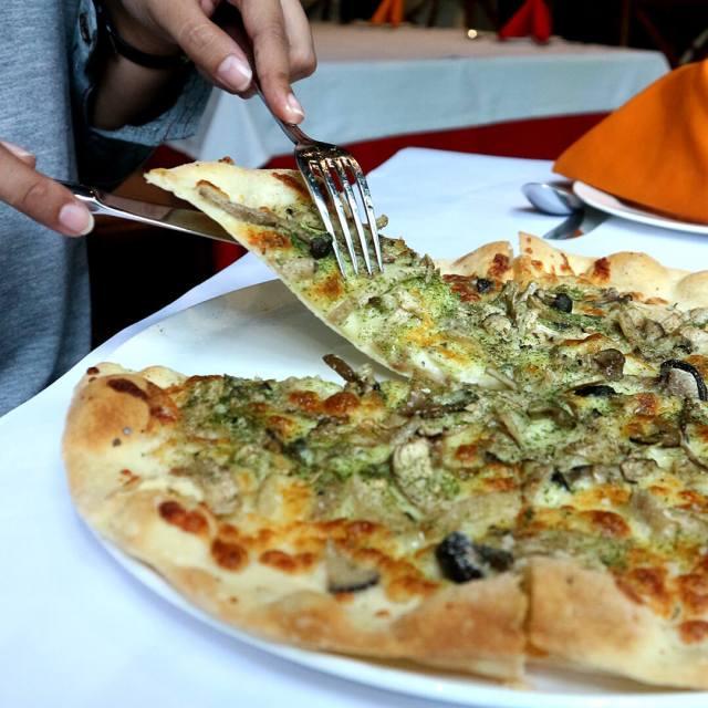 Pizza Con Funghivia dok. Duniamasak.com