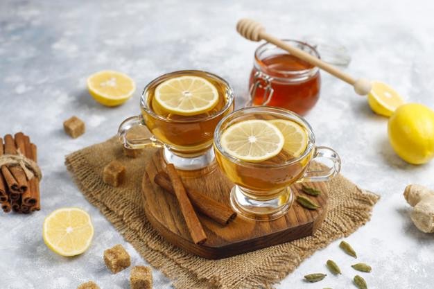 Minuman hangat lemon madu via freepik ala duniamasak