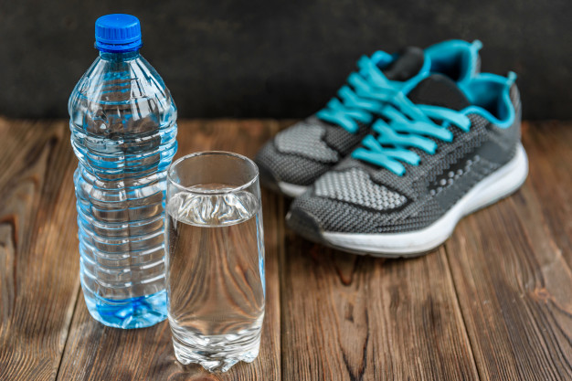 Air mineral olahraga via freepik ala duniamasak