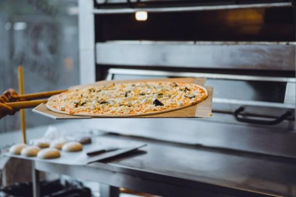 Cari Tahu Perbedaan Oven Pizza dan Oven Bakery via freepik ala tim duniamasak