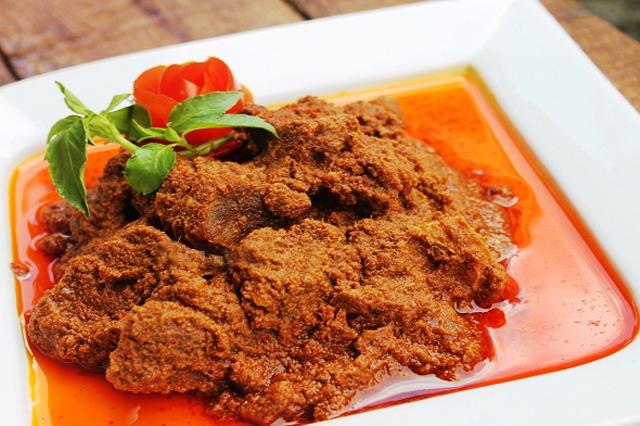 rendang makanan nusantara via jadiberita.com