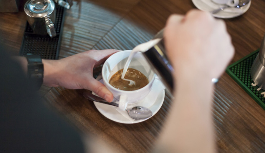 Resep Kopi Hits Ala Coffee Shop via freepik ala tim duniamasak.com