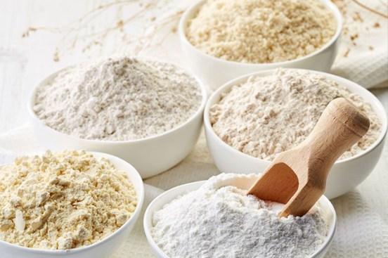 Aneka tepung Perbedaan Tepung Terigu, Maizena, Tapioka, Sagu via wideopeneats.com ala tim duniamasak.com
