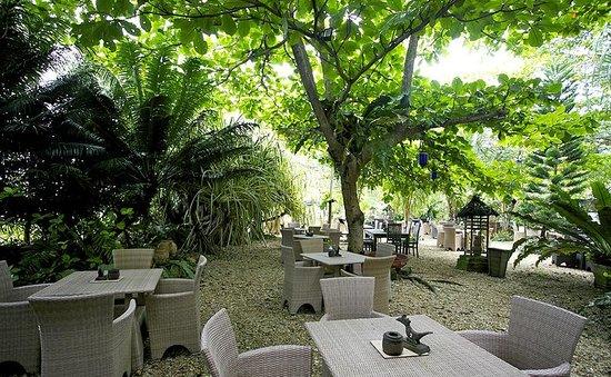 The beach house Balikpapan via tripadvisor ala tim duniamasak.com