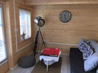 Customer Reviews: PremiumPlus Severn Log Cabin with sofa