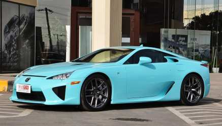 lexus-lfa-baby-blue-china-1