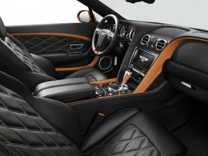 15MY_GT_Speed_Convertible_front_cabin_3_2