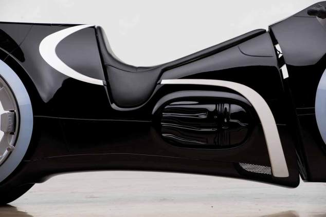 tron-motorcycle-(1)
