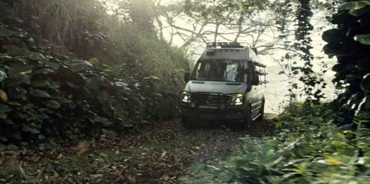 jurassic_world-mercedes (6)