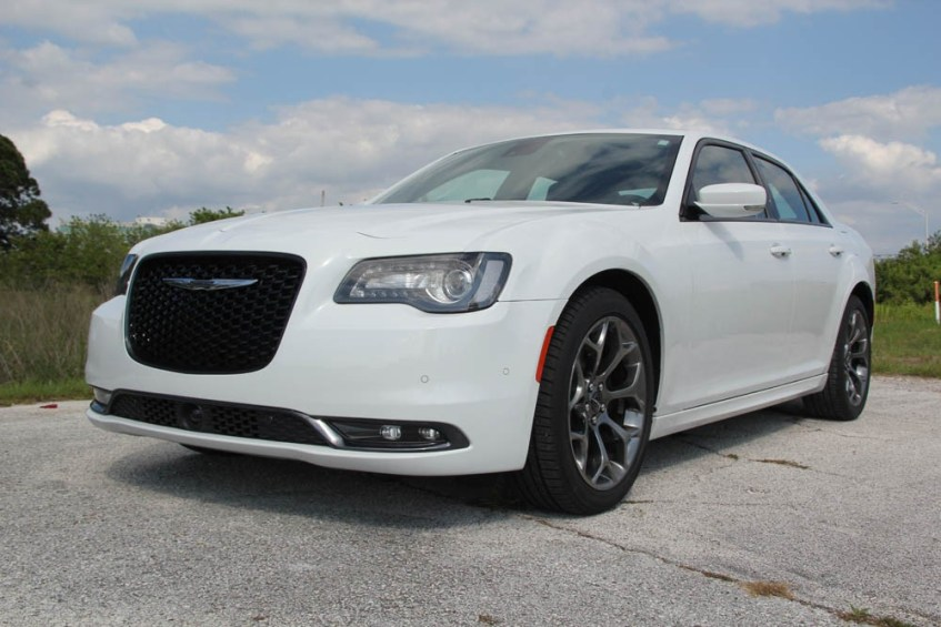 chrysler-300s-070815 (1)