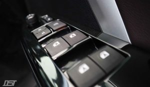 Toyota Fortuner 2.8 GD6 Fierce Edition window switches