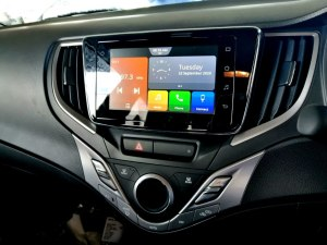 Apple CarPlay and Android Auto for your tracks