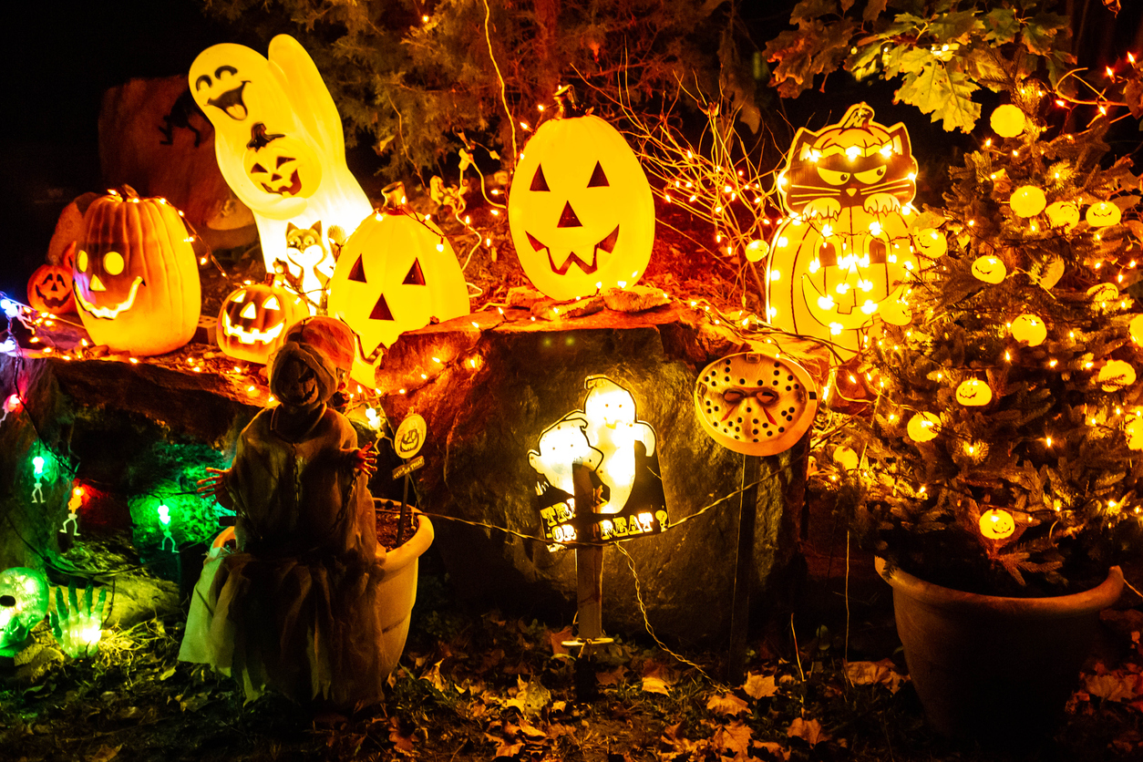 best halloween attractions