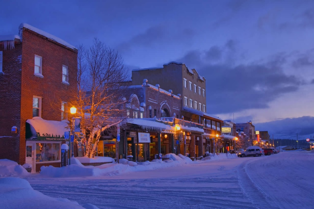 downtown-truckee-at-dawn-california