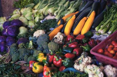 array of raw vegetables