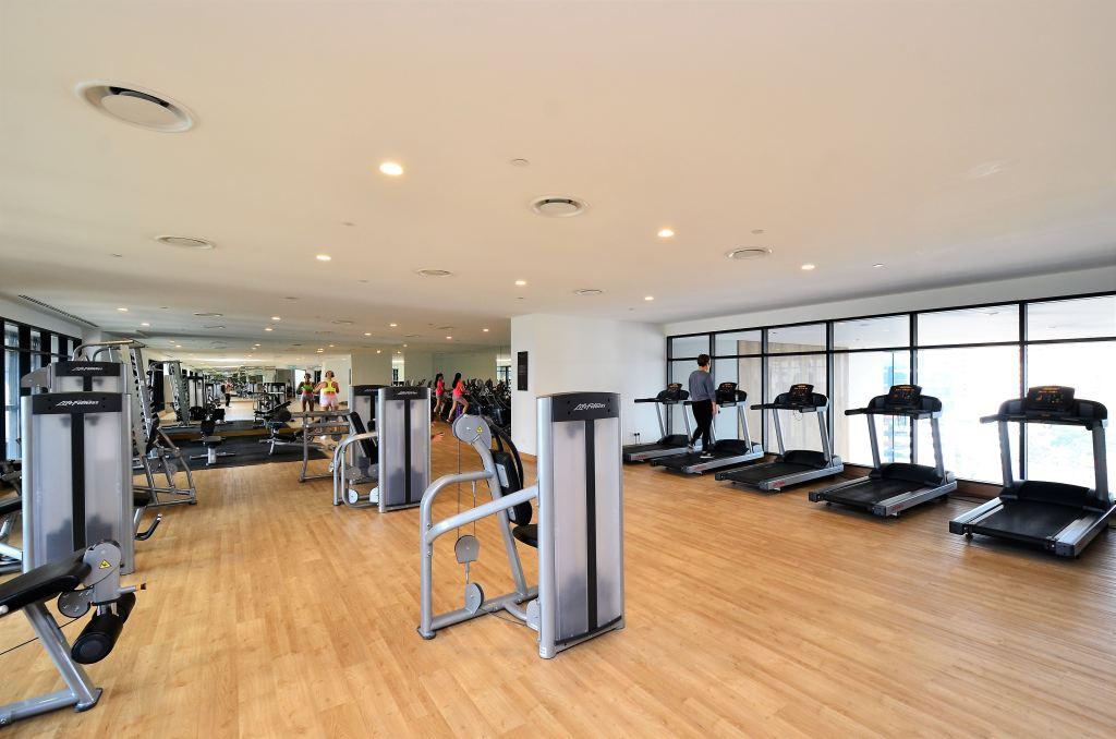 treadmills in a hotel gym