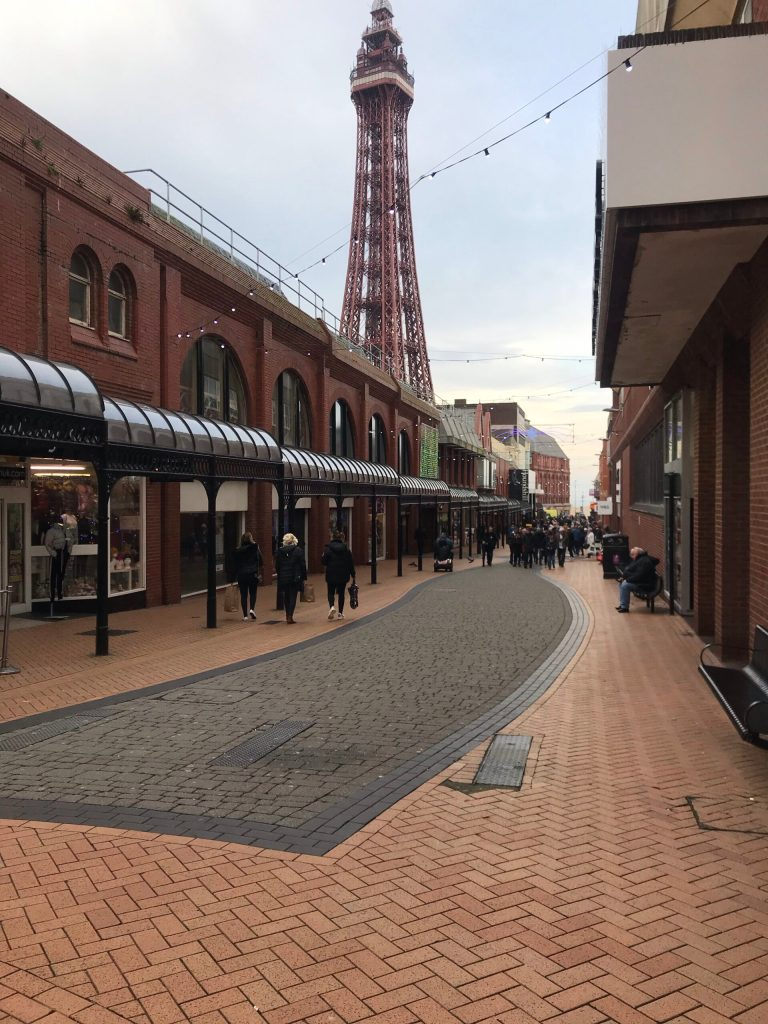 10 Things To Do In Blackpool (The Las Vegas of the UK)