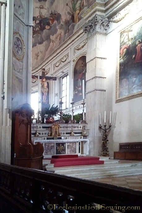 Duomo Mantova Altar Side