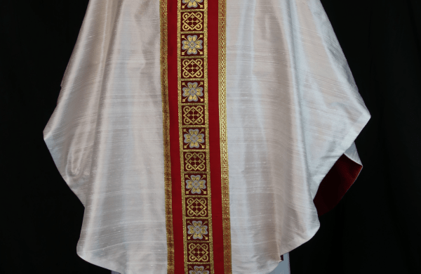 Chasuble White Easter Vestments Silk dupioni Chasuble clergy chasuble Clergy garments Ecclesiastical Sewing
