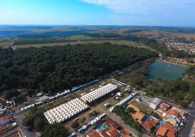 Foto mostra local onde acontece o Cerejeiras Festival