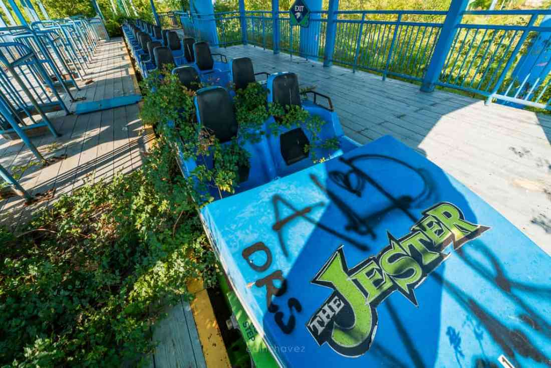 Abandoned Six Flags New Orleans-116