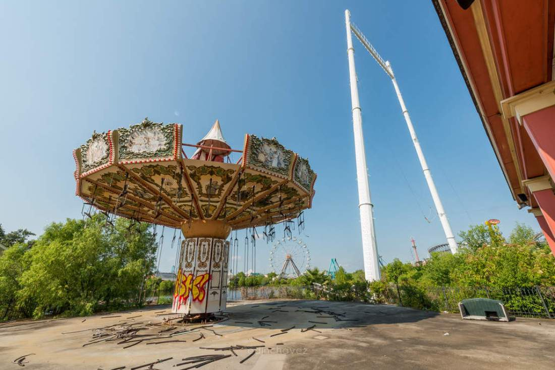 Abandoned Six Flags New Orleans-62
