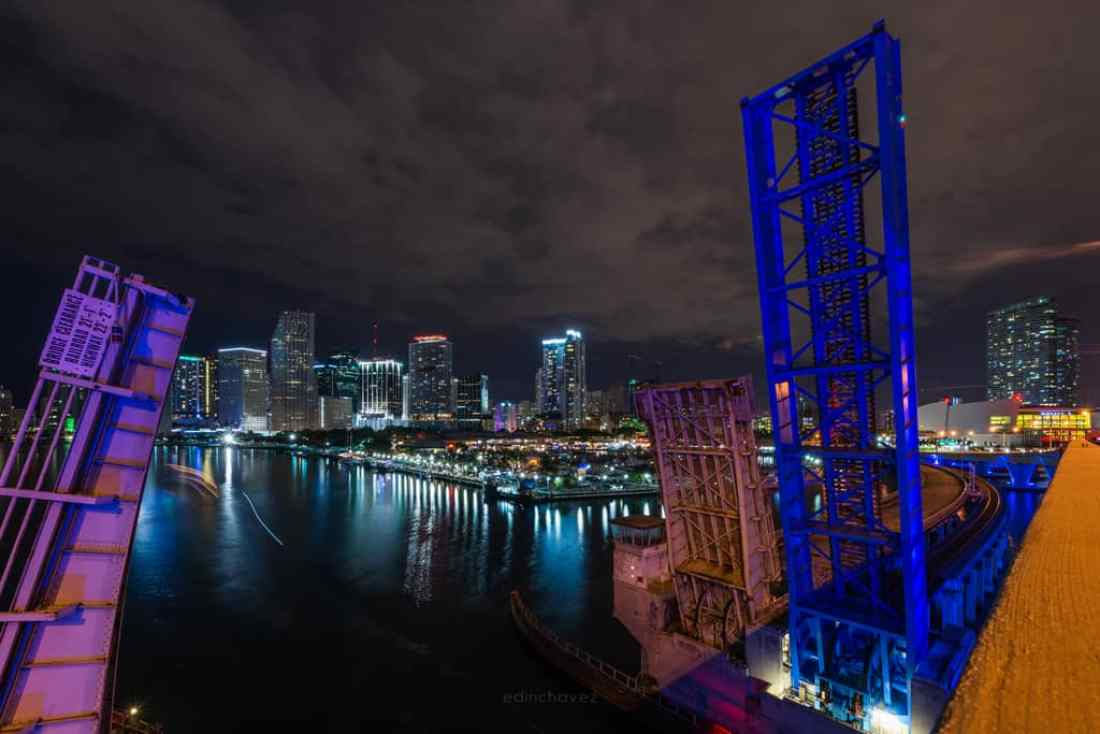 Port of Miami - image  on https://blog.edinchavez.com