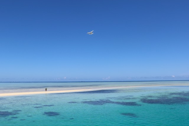 Pacific_Island_Air_DQ-GWW_over_Ro_Ro_Reef,_Mamanuca_Islands,_Fiji wikimedia ccommons