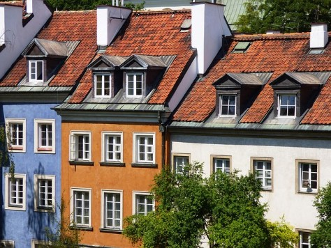 townhouses-1101084_640