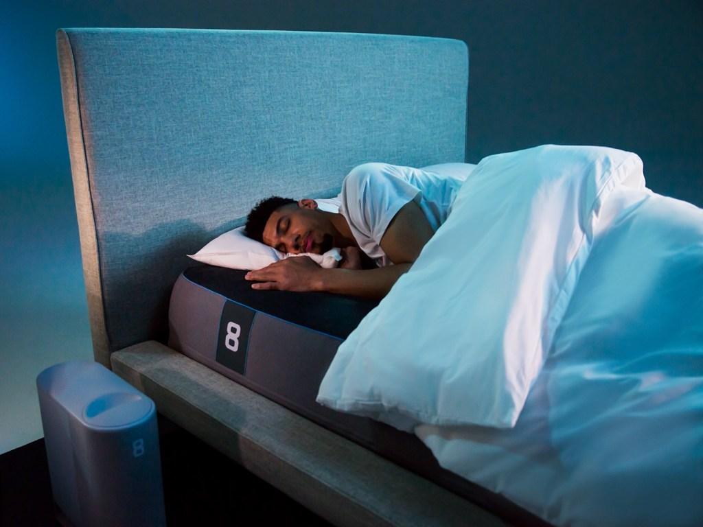 Danny Green sleeps on the Eight Sleep Pod