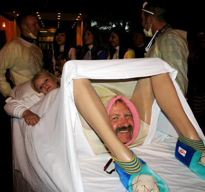 lady_giving_birth_costume