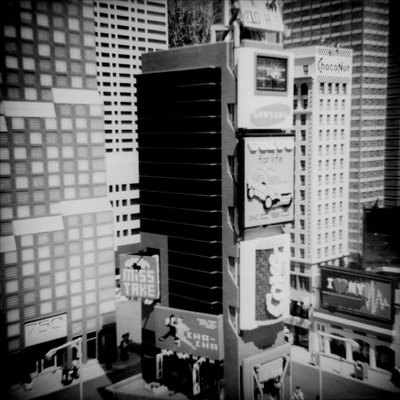 Desenfoque: Aline Smithson_Lego Times Square