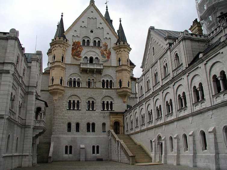 Castillo de Neuschwanstein, patio del Tribunal