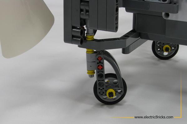 NXT AirScooter. Rueda loca, por electricBricks