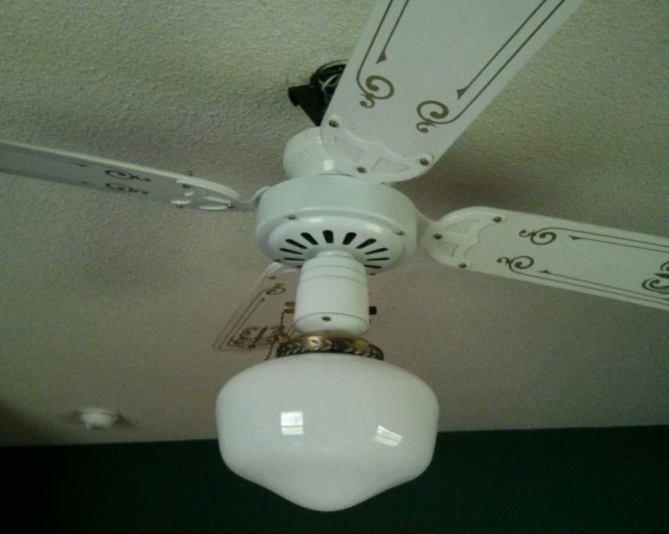 Mia Ceiling fan