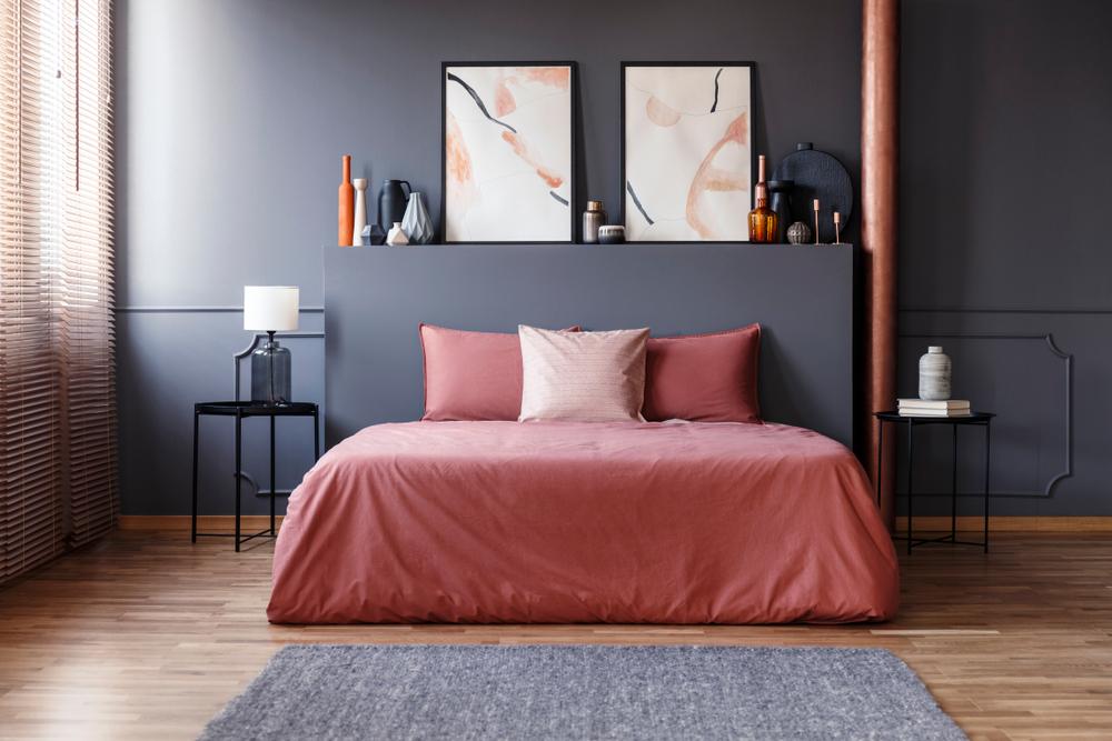 idei pentru amenajarea unui dormitor roz