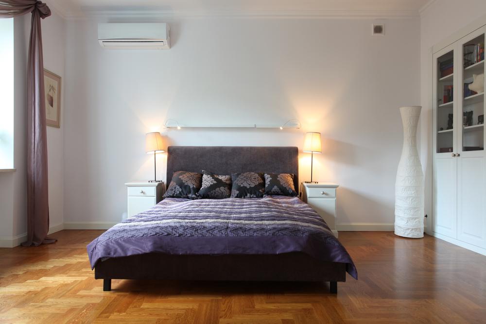 dormitor in nuante de violet