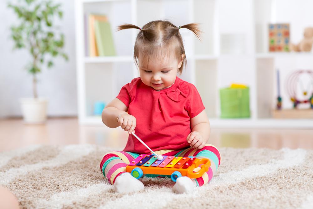 jucarii educative pentru bebelusi
