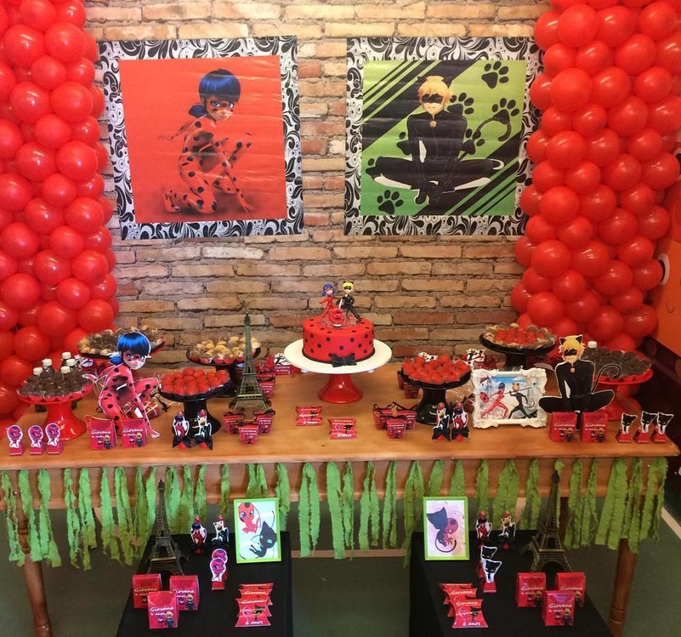 festa-infantil-ladybug-mesa