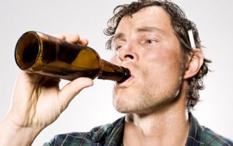 11. Cerveza: La estás agarrando mal