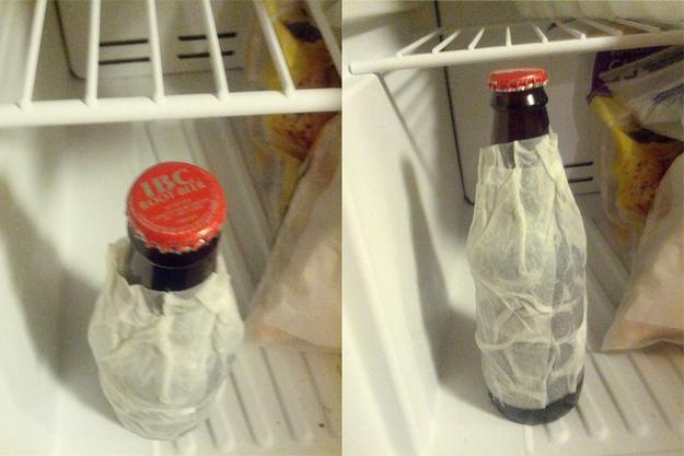 12. Para enfriar una bebida en tiempo record, cubrí la botella con un papel mojado antes de guardarla en la heladera.