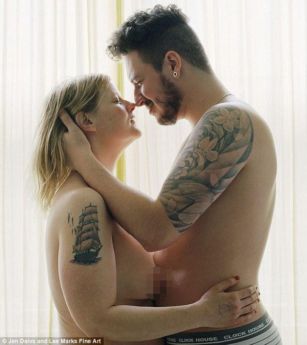 Y así fue que conoció a su novio, Aldo, quién la acompaña en su trabajo cotidiano por seguir en peso