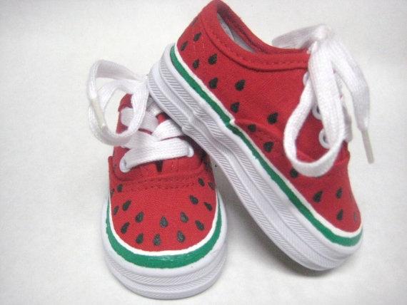 bajo precio c6900 1eaaf 28 ideas geniales para pintar tus zapatillas y alpargatas ...
