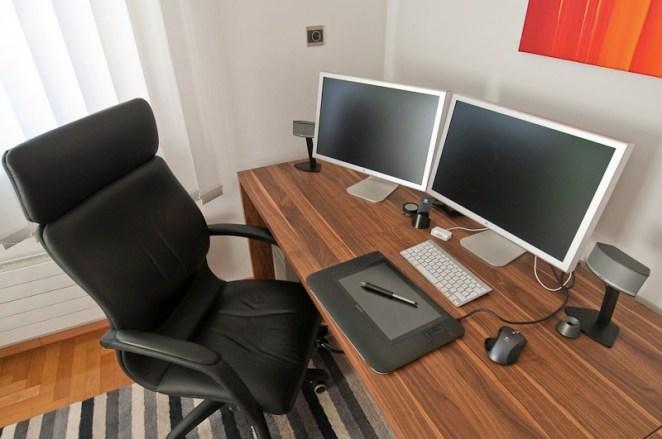 4. El espacio sagrado que representa tu escritorio y que nadie más parece entender cuando te lo desordenan o cambian de lugar cualquier elemento sin permiso.