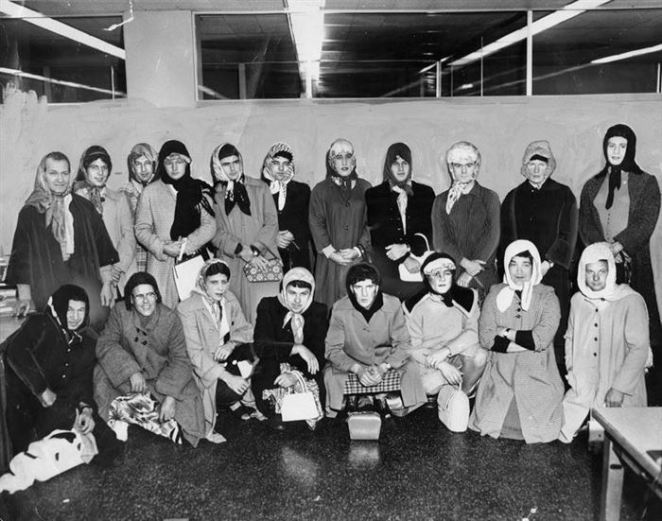 12. En 1960 los integrantes de la policía de Los Ángeles se disfrazaron de mujeres para atrapar a un ladrón de carteras.
