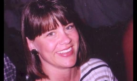 Brenda murió por un cáncer de ovario en septiembre de 2011. Era madre de cuatro hijos.