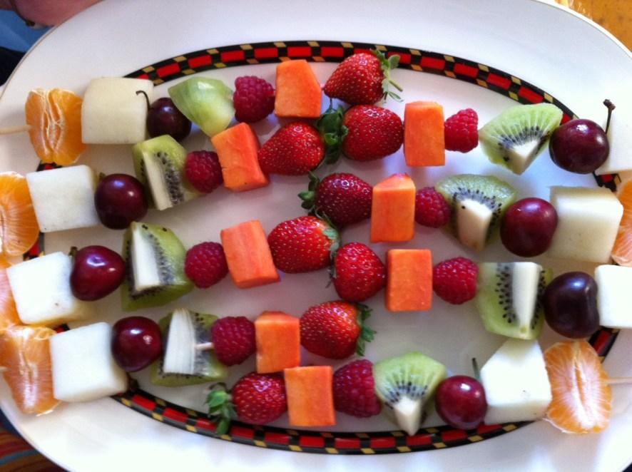 2.- Brochetas de frutas
