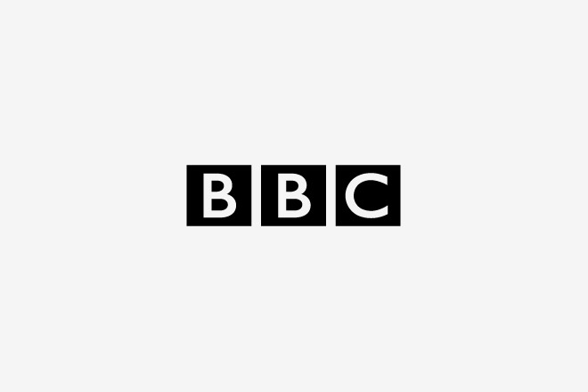 9. BBC – £1,150,000 (aprox. ,800,000 dólares). Con esa módica suma podés comprar 1254 TVs de 40 pulgadas para ver la BBC todo el día.