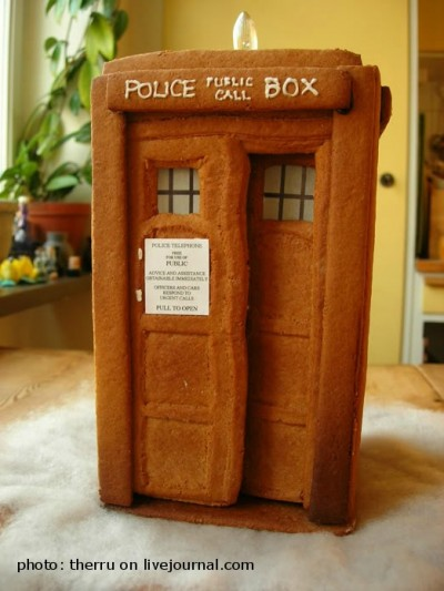 1. Internet me dijo que podía hacer la cabina del Dr. Who con pan de jengibre